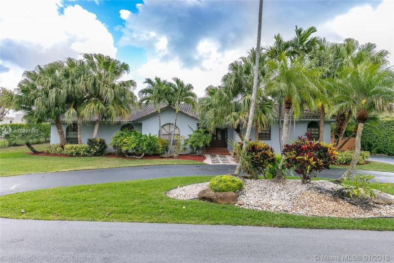 14481 87th Ave , Palmetto Bay, FL 33176