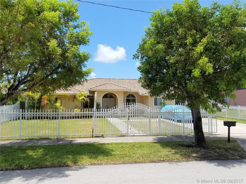 8921 214th St , Cutler Bay, FL 33189