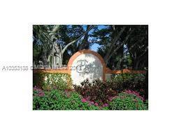 1224 The Pointe Drive, West Palm Beach FL 33409-