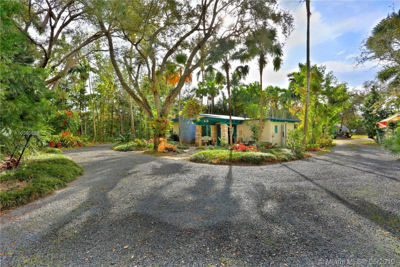 11115 SW 79th Ave , Pinecrest, FL 33156-3738