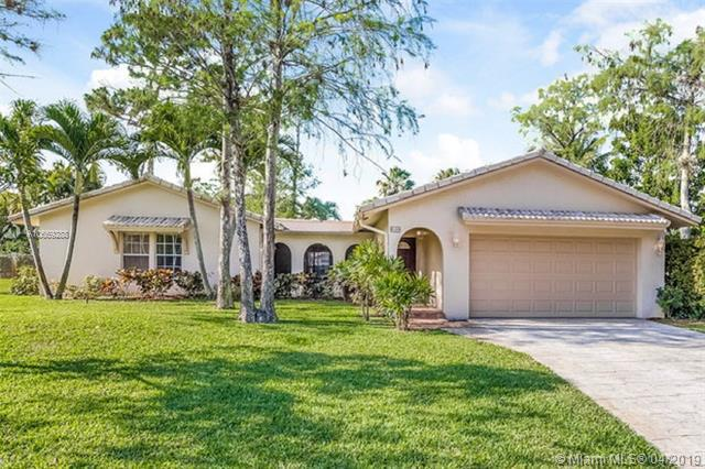 1071 NW 83rd Dr , Coral Springs, FL 33071-7161