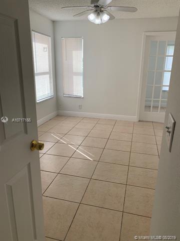 3400 N Pinewalk Dr N 914, Margate, FL, 33063