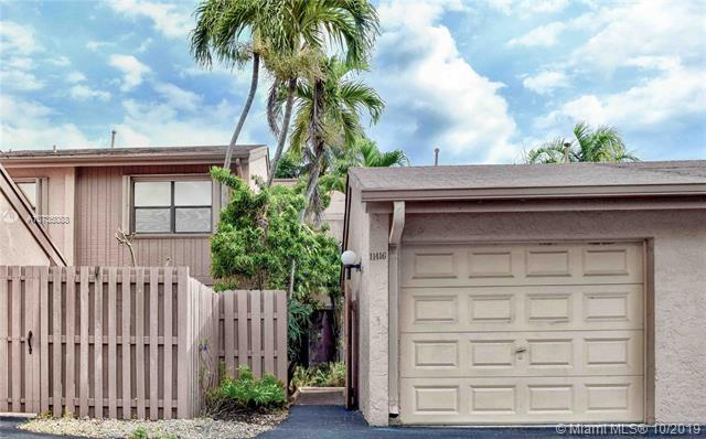 11416 SW 110 LN,  Miami, FL