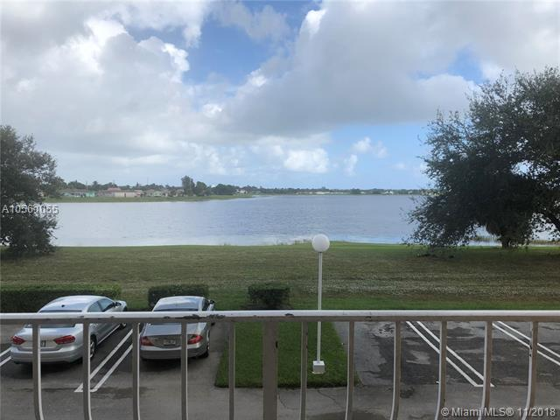 500  Executive Center Dr  Unit 4, West Palm Beach, FL 33401-4909