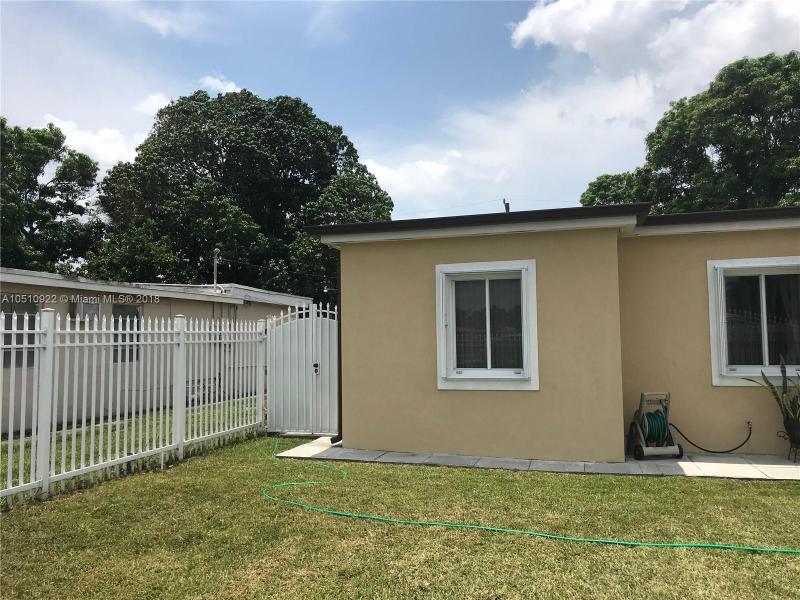 730 SW 10th St , Miami, FL 33130-3839