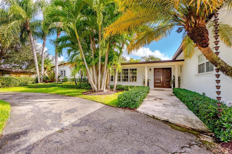 10905 SW 80th Ave,  Miami, FL