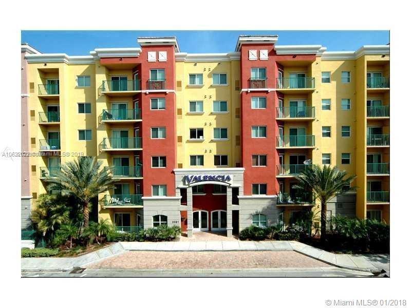 5839 SW 74th Ter  Unit 103, South Miami, FL 33143-5238