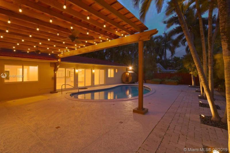 7441 Center Bay Dr, North Bay Village, FL, 33141