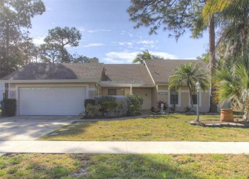 14465 Larkspur Lane, Wellington FL 33414-
