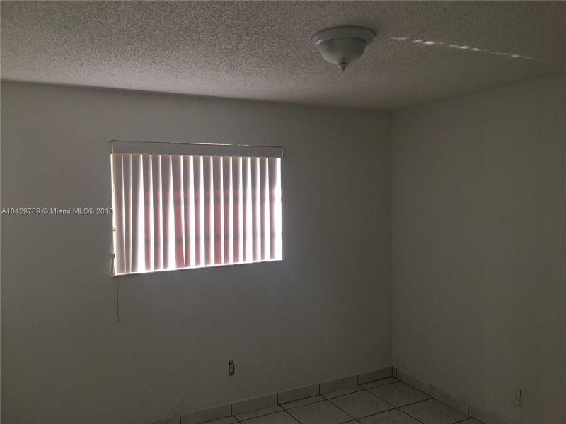 Imagen 14 de Single Family Florida>Miami>Miami-Dade   - Sale:285.000 US Dollar - codigo: A10429789