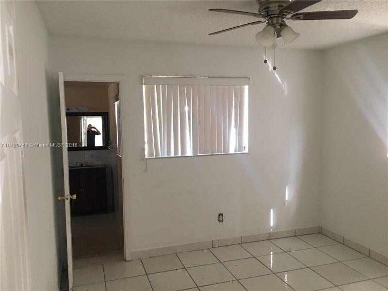 Imagen 16 de Single Family Florida>Miami>Miami-Dade   - Sale:285.000 US Dollar - codigo: A10429789