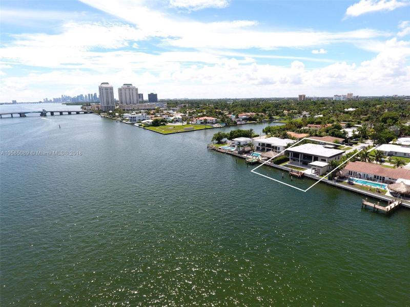 SHORE ACRES PLAZA - Miami - A10565089