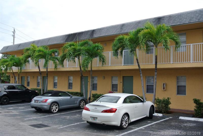 120  Cypress Club drive  Unit 221, Pompano Beach, FL 33060-