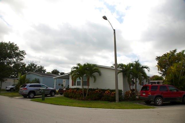 936 SW 133st AV , Davie, FL 33325-