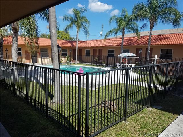 2701 Riverside Dr, Coral Springs FL 33065-5550