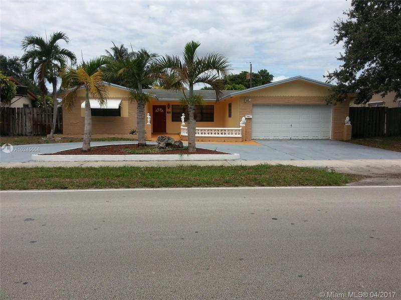 1910 52nd Ave , Hollywood, FL 33021