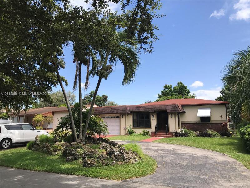 532  La Villa Dr , Miami Springs, FL 33166-6028