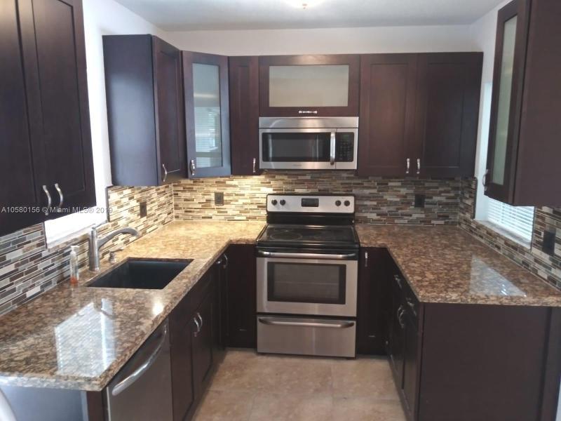 1536 NE 2 avenue , Fort Lauderdale, FL 33304-