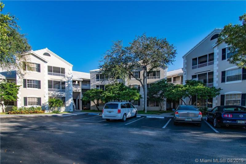 2871 N Oakland Forest Dr  Unit 111, Oakland Park, FL 33309-6400