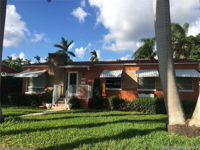 110 S 10th Ave , Hollywood, FL 33019-1534