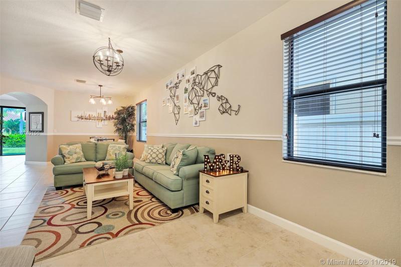 3513 W 86th Ter, Hialeah, FL, 33018