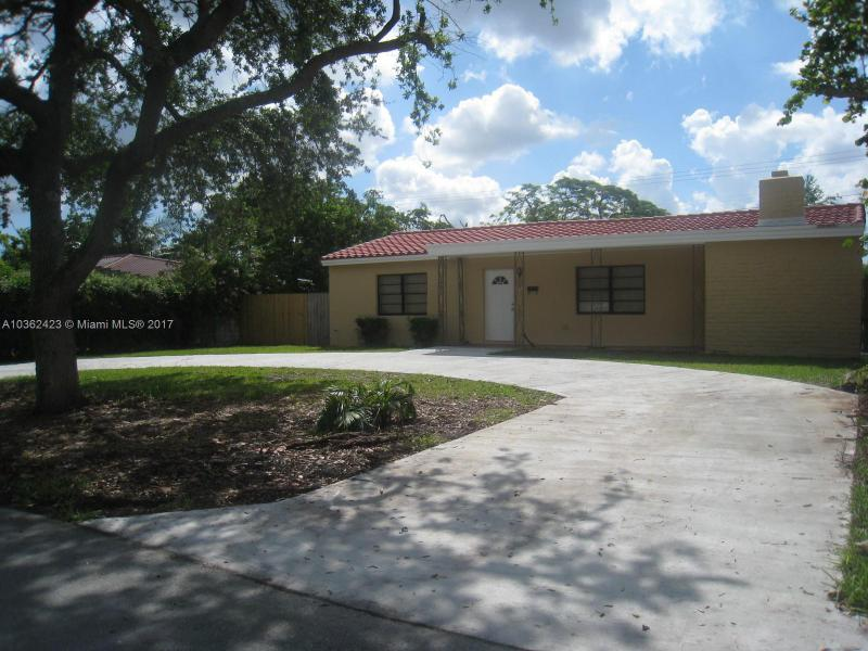 224  Carlisle Dr , Miami Springs, FL 33166-5042