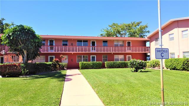 30 Westgate Lane, Boynton Beach FL 33436-