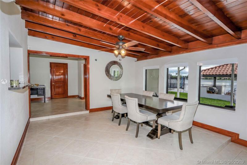 7265 W 14th Ave, Hialeah, FL, 33014