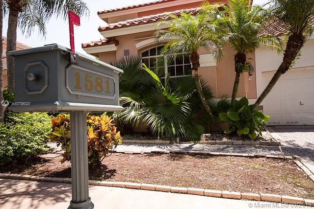 1581 E Lacosta Dr E, Pembroke Pines, FL, 33027