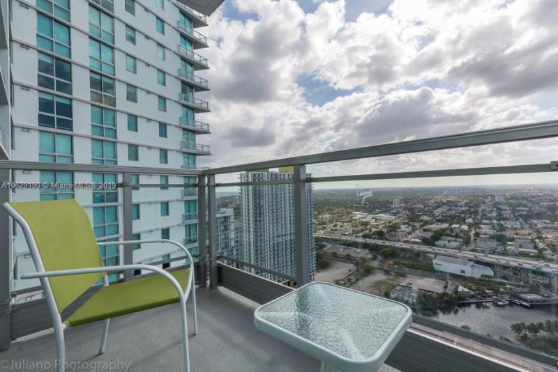 92 SW 3rd St,  Miami, FL