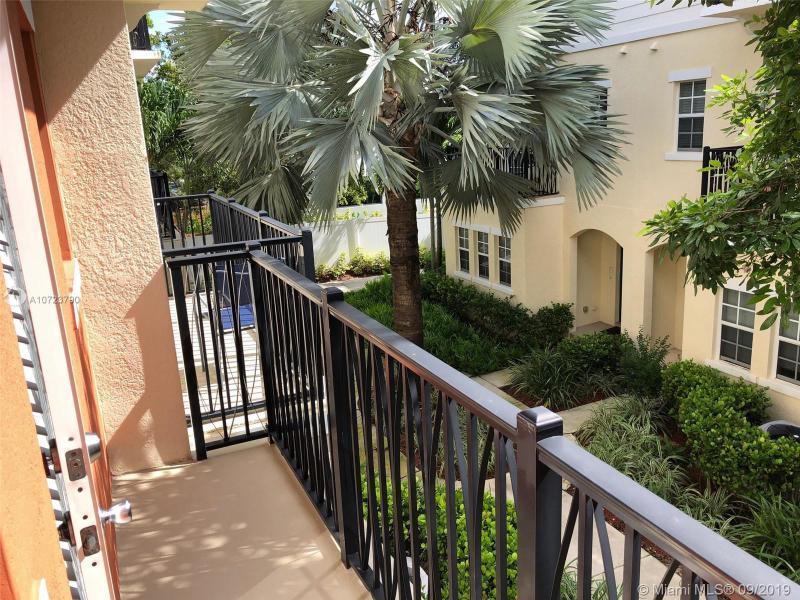 618 SW 1st Way 618, Pompano Beach, FL, 33060