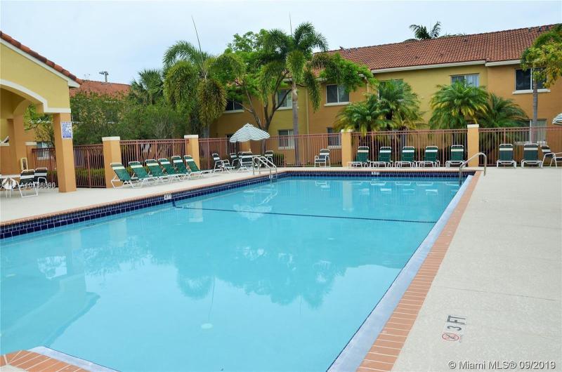 7940 NW 6th St 103, Pembroke Pines, FL, 33024