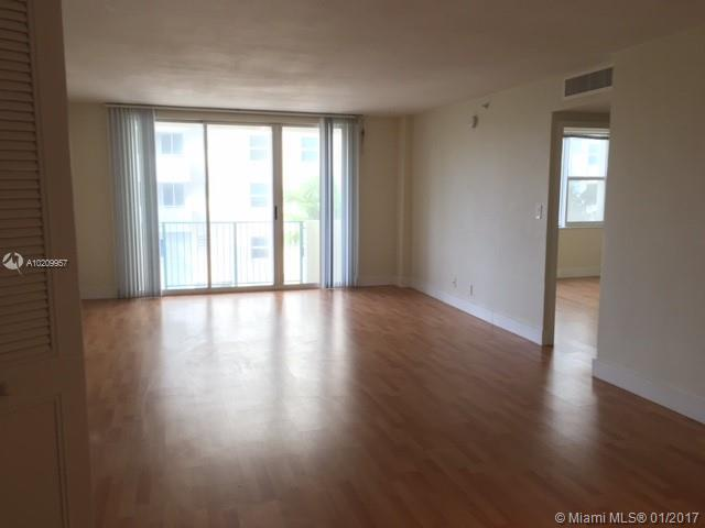 For Sale at  9195   Collins Ave #411 Surfside FL 33154 - Carlisle On The Ocean - 1 bedroom 1 bath A10209957_6