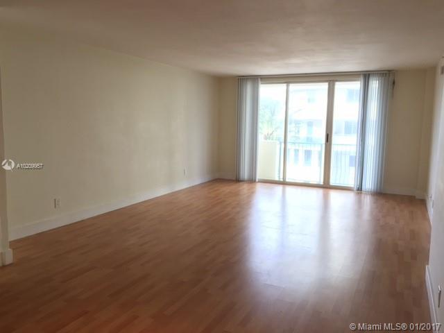 For Sale at  9195   Collins Ave #411 Surfside FL 33154 - Carlisle On The Ocean - 1 bedroom 1 bath A10209957_8