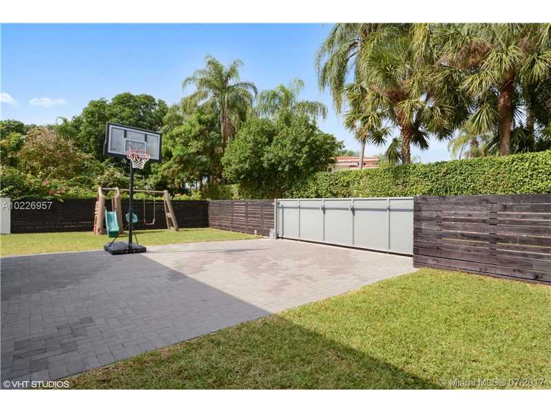 For Sale at  9520   Biscayne Blvd Miami Shores  FL 33138 - Miami Shores Sec 3 - 4 bedroom 3 bath A10226957_23