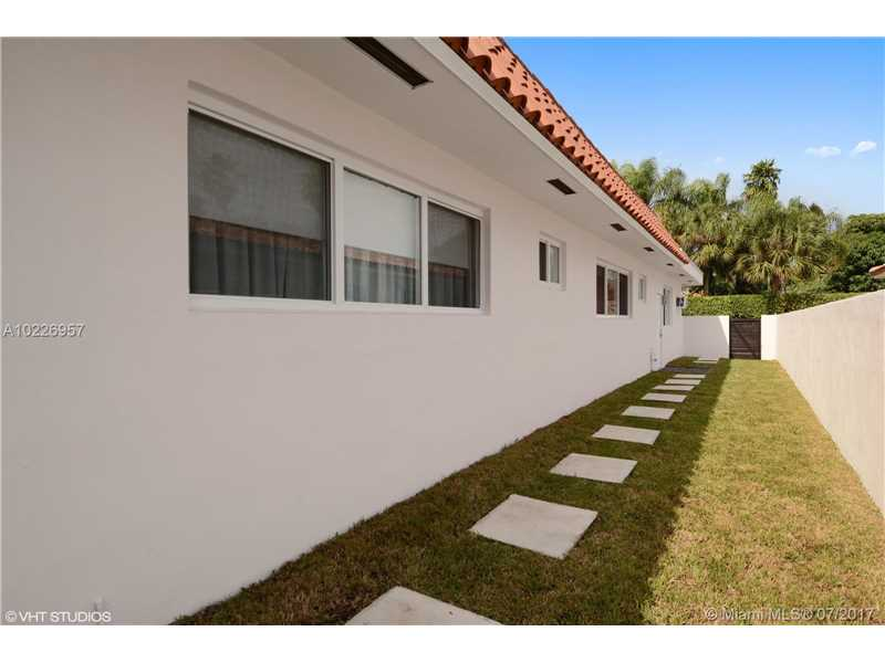 For Sale at  9520   Biscayne Blvd Miami Shores  FL 33138 - Miami Shores Sec 3 - 4 bedroom 3 bath A10226957_24