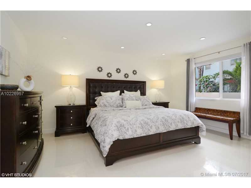 For Sale at  9520   Biscayne Blvd Miami Shores  FL 33138 - Miami Shores Sec 3 - 4 bedroom 3 bath A10226957_3