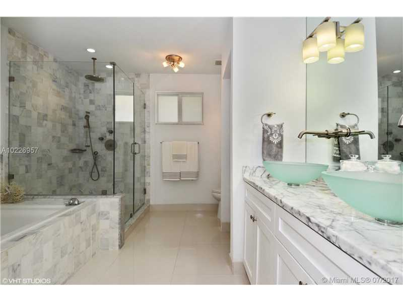 For Sale at  9520   Biscayne Blvd Miami Shores  FL 33138 - Miami Shores Sec 3 - 4 bedroom 3 bath A10226957_4