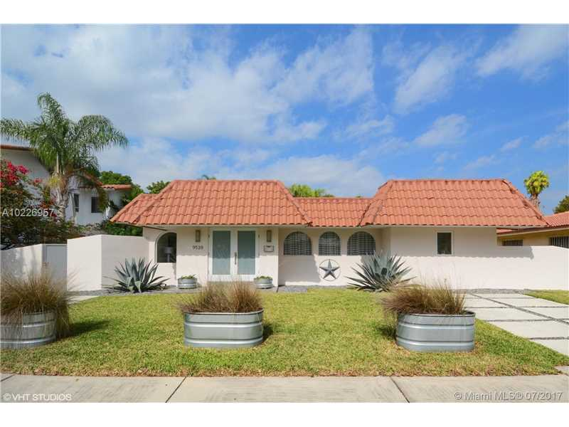 For Sale at  9520   Biscayne Blvd Miami Shores  FL 33138 - Miami Shores Sec 3 - 4 bedroom 3 bath A10226957_7