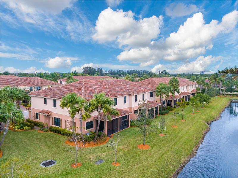 134 E Riverwalk Cir E  Unit 134, Plantation, FL 33325-1317