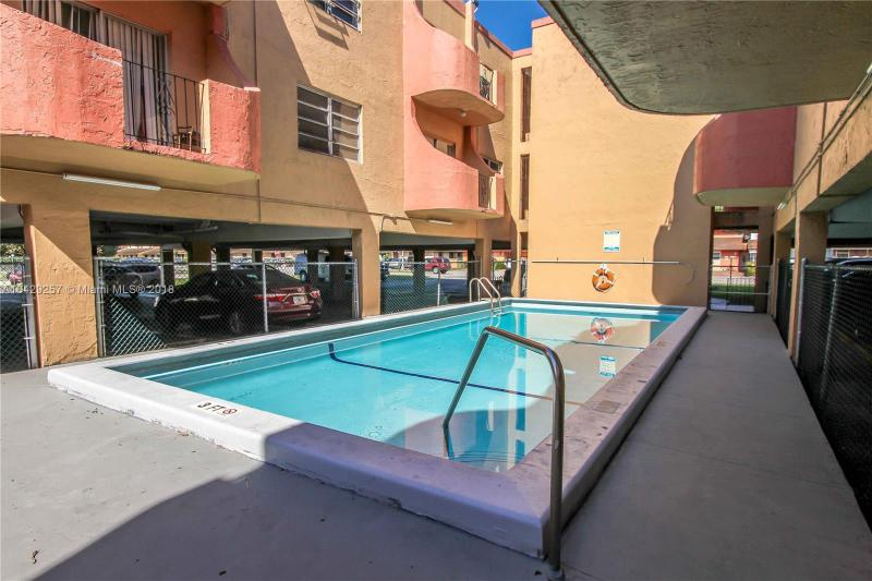 Imagen 4 de Residential Rental Florida>Hialeah>Miami-Dade   - Rent:1.375 US Dollar - codigo: A10429257