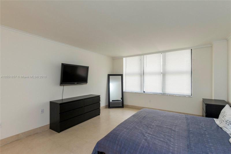 9801  Collins Ave  Unit 15 Bal Harbour, FL 33154-1830 MLS#A10551657 Image 15