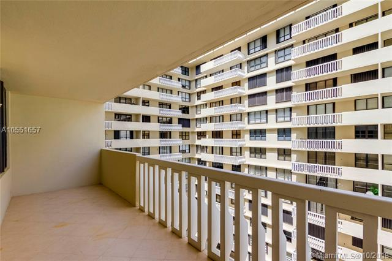 9801  Collins Ave  Unit 15 Bal Harbour, FL 33154-1830 MLS#A10551657 Image 2