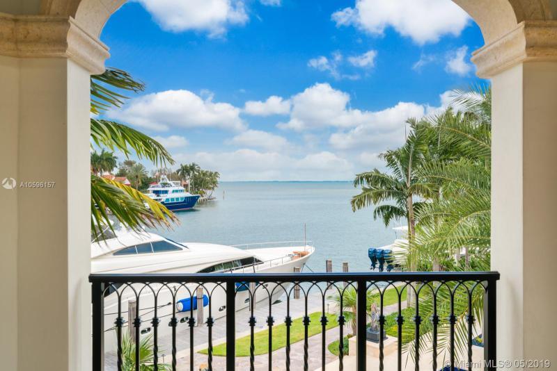 23 Tahiti Beach Island Rd, Coral Gables, FL, 33143