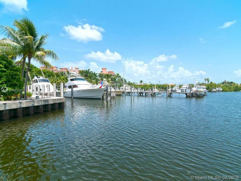 13643 Deering Bay Dr PH-166, Coral Gables, FL, 33158