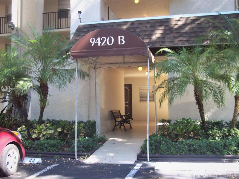 Davie Condo/Villa/Co-op/Town Home A10177324
