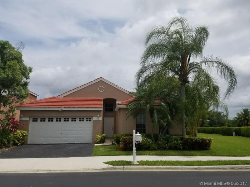 825  Tanglewood Cir , Weston, FL 33327-1840