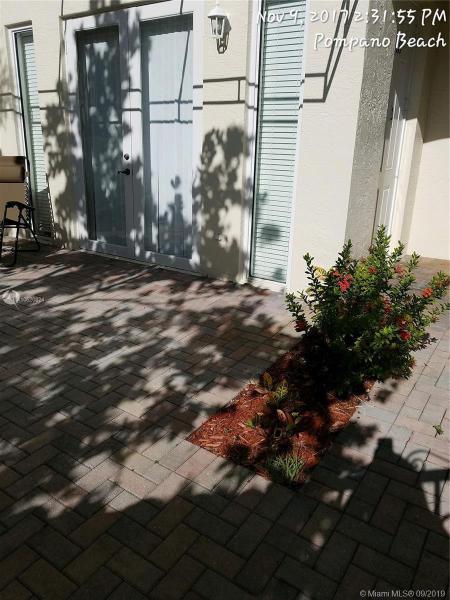 3500 Oaks Clubhouse Dr 111, Pompano Beach, FL, 33069