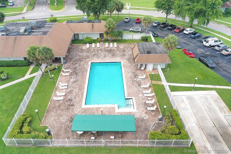 5545 Lakewood Cir N 415, Margate, FL, 33063