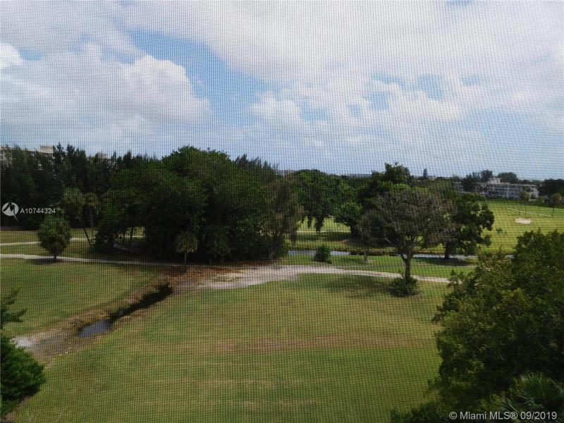 3250 N Palm Aire Dr 604, Pompano Beach, FL, 33069
